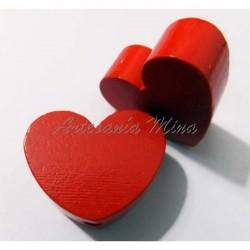 Corazón de madera rojo...
