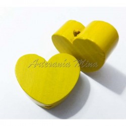 Corazón de madera amarillo...